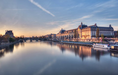 muse d'Orsay (StephanieB.) Tags: city longexposure morning bridge sky paris reflection seine architecture sunrise outside louvre horizon reflet ciel pont extrieur ville matin musedorsay expositionlongue orsaymuseum