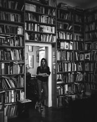 Ruth. (Christian Nbling) Tags: portrait 120 mediumformat bonn kodak trix books d76 medium format 6x7 plaubel makina plaubelmakina67