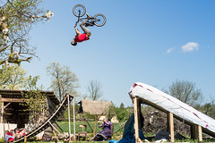 Poki | Flip (Marin Lonar) Tags: trees sky nature grass canon diy spring crazy bmx grandmother croatia flip granny homebuilt hrvatska t3i slavonija backflip 50mmf18 2016 proljee 600d poganovci resijump