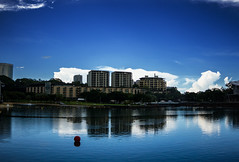 Darwin Waterfront Precinct (betadecay2000) Tags: city blue water mirror see meer wasser waterfront spiegel australia darwin australien blau reflektion northernterritory austral spiegeln refecting