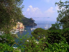 travel memories - Italy (sandaodiatiu) Tags: cloud boats harbour liguria portofino italianriviera tigulliangulf