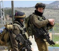 Army Opens Fire On Gaza Farmers Israeli soldiers opened fire, on Thursday morning, on a number of Palestinian farmers in their lands, in the southern part of the Gaza Strip, and east of Gaza city. The WAFA Palestinian News Agency said the soldiers, statio (Palreports) Tags: israel palestine occupation