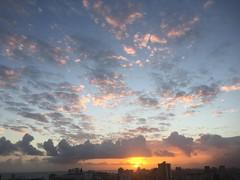 Amanecer (Juan Cristobal Zulueta) Tags: sky sol sunrise puertorico amanecer cielo nubes tropical caribbean newday santurce 2016 nuevodia sanjuandepuertorico iphoneography
