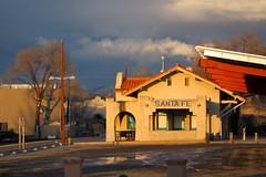 Santa Fe Depot (suenosdeuomi) Tags: light newmexico santafe luz licht depot lucia latelight 4x6 canons90