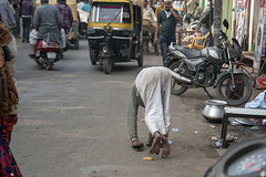 INDIA7576 (Glenn Losack, M.D.) Tags: people india streets photojournalism handicapped deformed beggars glennlosack