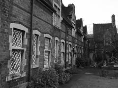 Netherton Lane, Worcester, circa 2016 (Kumukulanui) Tags: england terrace worcester cottages terracedhouses wr1 nethertonlane