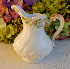 Limoges Porcelain Large Creamer ~ Morning Glory ~ Gold (Donna's Collectables) Tags: morning gold glory large porcelain creamer ~ limoges