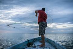 Tarrayando (Xavy Vp) Tags: blue sunset rio mexico boat fishing nikon yucatan vp lagartos xavy 1224mmf4 d7100