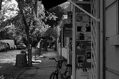 Almacen (Oxkar G) Tags: street 50mm calle sony letrero slt industar precio a37 avenidabilbao