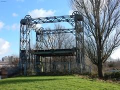 Oude hefbrug over de Vaartse Rijn Utrecht (bcbvisser13) Tags: monument tree park railroadbridge spoorwegbrug hefbrug plantsoen dichterswijk utrecht nederland eu