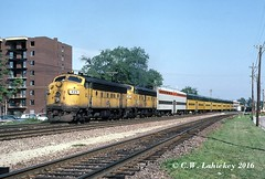 C&NW 425 on 7-11-80 (C.W. Lahickey) Tags: illinois f7 emd cnw