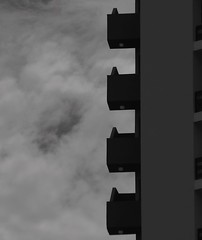 Arq2 (Litswds) Tags: b white black building blancoynegro blanco gris arquitectura y negro edificio n drama balcon pisos