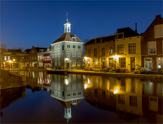 Zakkendragershuisje / Schiedam (zilverbat.) Tags: longexposure nightphotography travel blue wallpaper haven tourism netherlands dutch night canon lights harbor town rotterdam nightlights nightshot image thenetherlands visit tourist timelife bookcover bluehour afterdark tourisme schiedam dutchholland zilverbat longexposurebynight longexposurenetherlands elvinhagekpnplanetnl