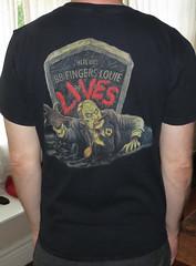 #1722B 88 Fingers Louie - 88 Fingers Lives (Minor Thread) Tags: chicago black records grave rock shirt vintage punk tour tombstone tshirt il merch hopeless minorthread fatwreck cocnert 88fingerslouie tshirtwars 88fingerslouielives