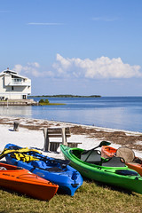 Cedar Key, Florida (MarkusR.) Tags: city vacation usa gulfofmexico islands florida urlaub canoes stadt cedarkey phototrip inseln 2015 sunshinestate kanus golfvonmexiko markusrieder mrieder levycounty fotoreise sonnenscheinstaat usa2015
