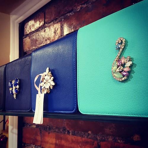 Mini bag Younique #blu #verdetiffany #blunavy #younique #accessori #personalizzati #pochette #minibag #fashionjewellery #bijoux #instagood #furry #instabday #sunlight #wedding #face #lofi #nofilter #instagramers #picoftheday #instadaily #store #showroom