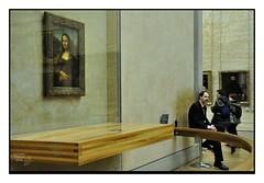 Mona Lisa Fever # 4 (Alfoja) Tags: paris france louvre monalisa lisa gioconda foglia leonardo francia parigi monna alfoja