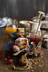 IMG_9337_exp-2 (Helena / Rico sin Azcar) Tags: cake postre dessert coconut chocolate australia coco vanilla jam lamington mermelada vainilla bizcocho