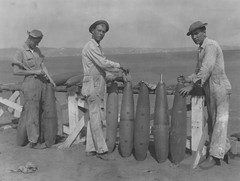 Everest Waid Collection Image (San Diego Air & Space Museum Archives) Tags: bomb bombs aerialbomb aerialbombs