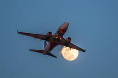 Florida One (N945WN) (pbuschmann) Tags: moon jet fullmoon lax takeoff blast jetblast southwestairlines wn ikarus floridaone