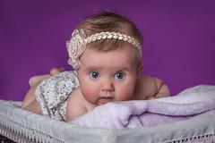 Nerea (Nando Verd) Tags: azul retrato estudio lila nia alicante ojos infantil newborn bebe canasta diadema fotografia cinta mirada sesion manta recien elda bautizo petrer bautismo cesta azules nacido pololo