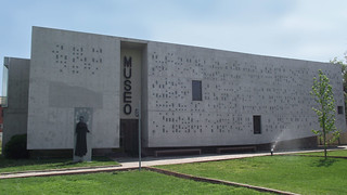 01.Frontis Museo