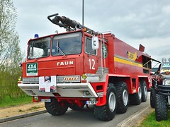 FAUN 8x8 SIDES VMA ex ADP (xavnco2) Tags: show red france truck rouge airport meeting firetruck exposition camion trucks fireengine normandie feuerwehr bomberos faun firebrigade aerodrome eure sides vma adp pompiers 2016 8x8 bombeiros anciens vehicules rassemblement sapeurspompiers leneubourg pontfire