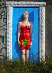 UrbanSolid (emilype) Tags: red urban woman milan colour art italia colours arte body milano urbanjungle rosso idiota ilmuro bombolette leoncavallo urbansolid