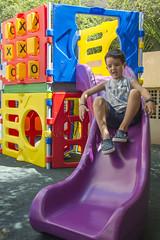 _ITA1038 (Edson Grandisoli. Natureza e mais...) Tags: playground brinquedo brincar menino jovem brincando brincadeira escorregador 6anos escorregar regiosudeste