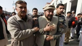巴基斯坦西北一大学遭袭击19死17伤