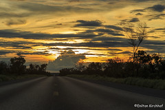 Sunset on the road - Por do sol na BR-242 (Enilton Kirchhof) Tags: pordosol sunset canoneos6d barreiras bahia brazil fotoeniltonkirchhof ontheroad eniltonkirchhof férias vacation