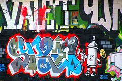 45/116 Graffiti wall of letters in Asheville (Bella Lisa) Tags: wall graffiti asheville letters ashevilleriverartsdistrict 116picturesin2016