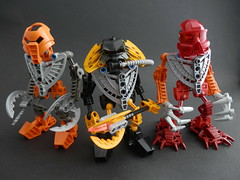 Lesovikk and the Mahri-toran (Kingmarshy) Tags: colours underwater lego opening vault bionicle the moc nui mahri matoran lesovikk turaga mahritoran