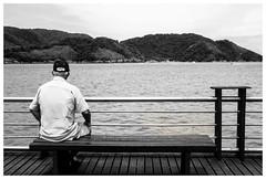 Deck do pescador (Rubens Carvalho) Tags: retrato paz deck meditao santossp pontadapraia deckdopescador portodesantos