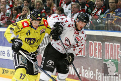 "DEL16 Kölner Haie vs. Krefeld Pinguine 17.01.2016 077.jpg • <a style=""font-size:0.8em;"" href=""http://www.flickr.com/photos/64442770@N03/24844303081/"" target=""_blank"">View on Flickr</a>"