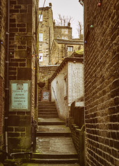 Back streets, Holmfirth 2016(4) (S.R.Murphy) Tags: england alley yorkshire backstreet alleyway walls holmfirth urbanlandscape canon1740mm canon6d feb2016