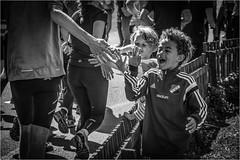 Göteborgsvarvet (P-O Alfredsson) Tags: race running highfive majorna göteborgsvarvet lopp sandarna kungsladugård