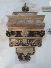 Monument funraire du juriste Tommaso Scroffa (1501), glise Santa Corona (XIIIe), contr Santa Corona, Vicence, province de Vicence, Vntie, Italie. (byb64) Tags: city italien italy church monument grave town europa europe italia monumento gothic iglesia kirche eu ciudad unescoworldheritagesite unesco chiesa igreja 16th glise middleages gothique italie ville vicenza citta ue medioevo tombe gotico tombeau veneto moyenage igrexa vicence edadmedia venetien santacorona vntie artgothique xvie monumentfunraire vicensa provinciadevicenza wiesenthein