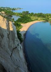 Scarborough Bluffs (Elena Berd) Tags: sky lake toronto canada beach lakeontario scarboroughbluffs