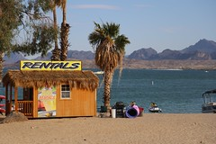 You too can have a taste of paradise, if only for a short time (davebarratt39) Tags: arizona boats lakehavasucity wealth