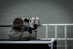 Waiting for a photo. (Airbeluga) Tags: espaa paisajes naturaleza olas santander cantabria marcantbrico piquio
