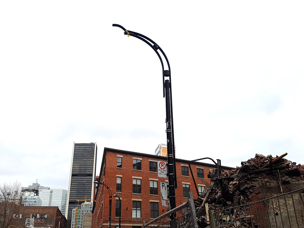 how to pay for damaged lamp post ontario
