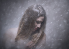 Fading soul (Soloross) Tags: light portrait woman texture girl beauty face hair donna eyes fineart occhi ritratto luce ragazza capelli