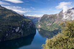 Le Geirangerfjord (mgirard011) Tags: europe no lieux norvège 1000faves comtédemøreogromsdal ørnevegenroutedesaiglesno routespanoramiques nordfjordetgeirangerfjord