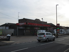 PARK FELTHAM SERVICE STATION (A) (Pillbox finder) Tags: station petrol texaco petrolstation geecocontractorsltd parkfelthamservicestation