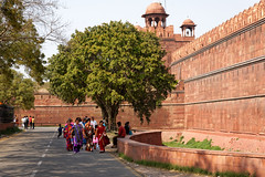 Red Fort, Delhi (marko.erman) Tags: red people india tree heritage history architecture sandstone delhi sony palace unesco worldheritagesite walls fortification sari emperor redfort shahjahan mughal