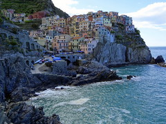 Manarola, Cinque Terre (chibeba) Tags: italy heritage history coast town seaside spring europe village liguria villages unesco worldheritagesite coastal april cinqueterre towns italianriviera 2016 fivevillages 5villages