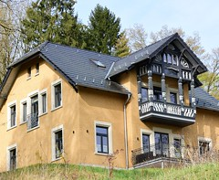 House with most beautiful balcony (:Linda:) Tags: germany town thuringia gable halftimbered rocaille hildburghausen woodenbalcony