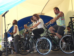 P5103814_The Ginger Ninjas (sdttds) Tags: art students hippies livemusic free quad wef alternative ucdavis musicfestival wholeearthfestival bicyclepowered wef2009 thegingerninjas