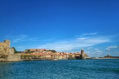 Pittoresk uitzicht.  Het strand ligt aan een baai die uitkijkt op het oude stadje. #og: (rubentijdlijn) Tags: og
